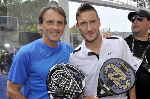 Totti_Mancini_paddle