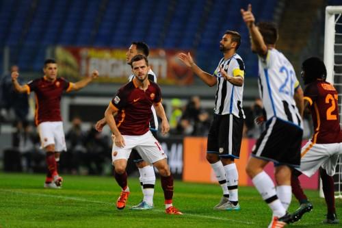 Roma-udinese-pjanic-gervinho-gol-esultanza