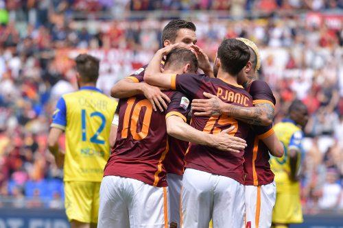 roma-chievo_totti pjanic strootman nainggolan gol esultanza