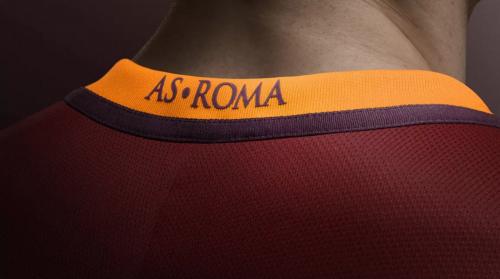 UFFICIALE: Nike presenta la nuova maglia della Roma