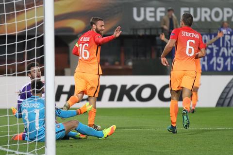 austria-vienna-roma-de rossi strootman gol esultanza