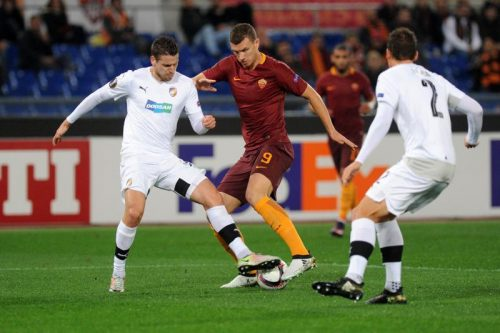 Perotti, gol di rabona contro il Plzen