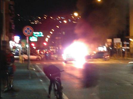 scontri-napoli-razzo-taxi