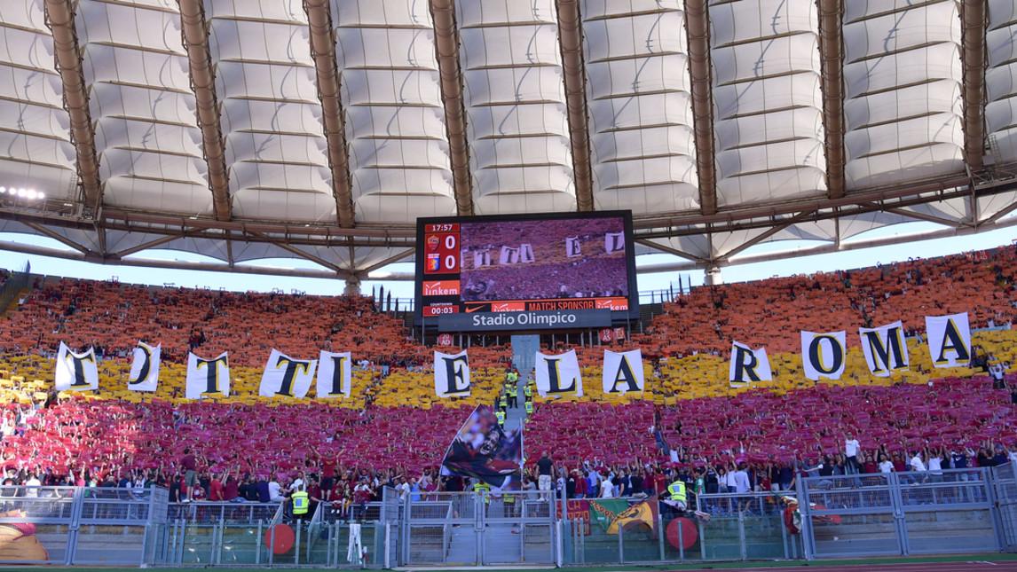 """Coreografia della Curva Sud: """"Totti è la Roma"""". Capitano sotto il settore -  FOTO   Pagine Romaniste"""