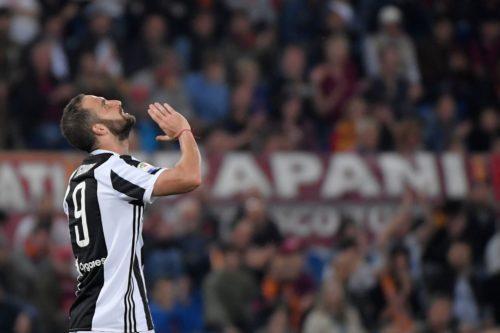 Calciomercato Roma, proposto scambio Dzeko-Higuain: la risposta della Juve