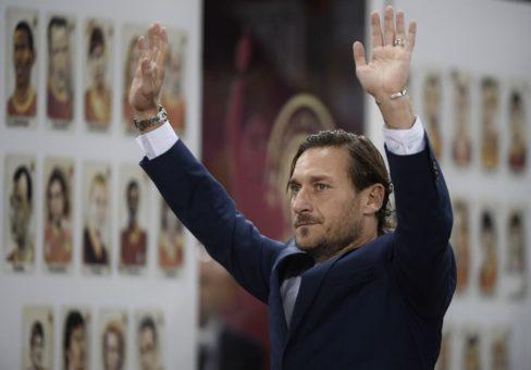 Francesco Totti lascia la Roma: la conferenza stampa. DIRETTA